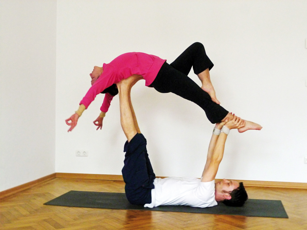 der neue yoga guide 2016 ist da gesundreisen. Black Bedroom Furniture Sets. Home Design Ideas