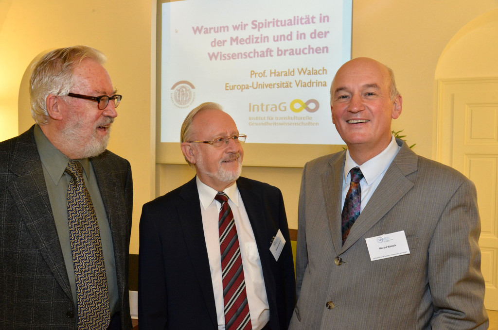 BILD zu OTS - Im Bild v.l.n.r.: Univ.-Prof. Dr. Herbert Pietschmann, Univ.-Prof. Dr. Wolfgang Marktl, Prof. Dr. Dr. phil. Harald Walach.