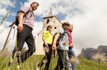 Wanderung_am_Ritten_©_Tourismus_Verein_Ritten_Tiberio_Sorvillo