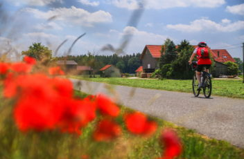 SBS-Baederradweg-Radfahrer-E4